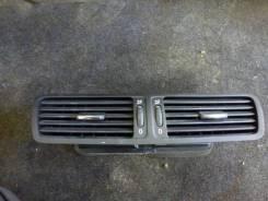 Дефлектор воздушный центральный Volkswagen Passat B6