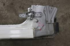 Петля передней правой двери Toyota Altezza SXE10 GXE10