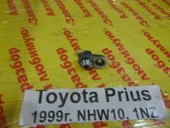 Концевик двери Toyota Prius Toyota Prius 1999.12, правый задний