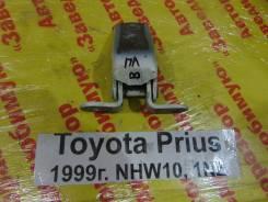 Подставка под ногу Toyota Prius Toyota Prius 1999, левая передняя