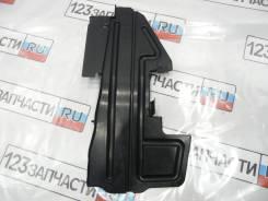 Дефлектор радиатора левый Toyota Avensis AZT251