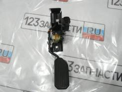 Педаль газа электронная Toyota Avensis AZT251