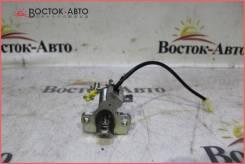 Личинка замка багажника Toyota Camry ACV40 2AZFE (6956033250)