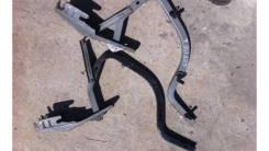 Крепление крышки багажника Тойота Королла150