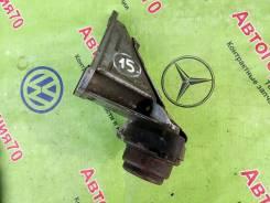 Кронштейн КПП левый VW Passat B5, Audi A4 B5, A6 C5