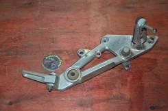 Кронштейн подножек правый Yamaha XJR 400