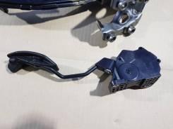 Педаль газа toyota prius zvw30-08