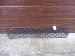 Решетка в бампер центральная Toyota Corolla E 12 5311202020