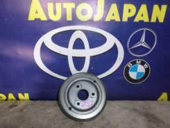 Шкив водянного насоса Toyota Ractis SCP100 б/у 1617323040