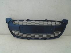 Lada Kalina 2 решетка в бампер центральная б/у
