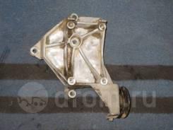 Крепление компрессора кондиционера Mazda Bongo friendee