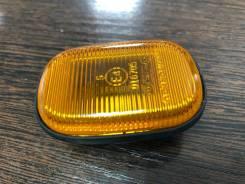 Поворот в крыло Toyota Corolla 120 / RAV4 10, 20 / Probox желтый