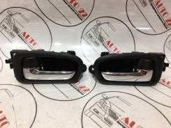 Ручка внутренняя передняя Правая=Левая Suzuki Escudo TD54
