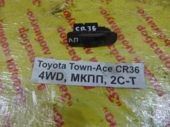 Кнопка стеклоподъемника Toyota Town-Ace Toyota Town-Ace 1995, левая передняя