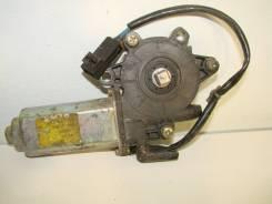 Б/У моторчик стеклоподъёмника передний левый 8273115U02