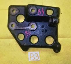 Кронштейн компрессора кондиционера Mazda B3