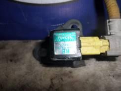 Датчик airbag передний правый Toyota Estima MCR40 б/у 89173-29185
