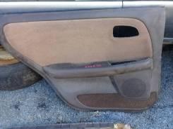 Продам обшивку двери заднюю на Toyota Mark 2