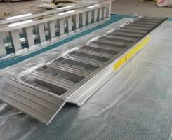 Сходни алюминиевые для спецтехники 2,7м х 0,35м х 2500кг