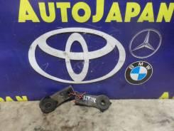 Крепление радиатора Toyota Caldina AZT246 б/у 16533-22040