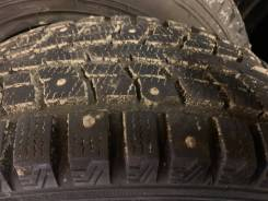 Dunlop. зимние, шипованные, 2011 год, б/у, износ до 5%