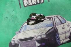 Петля замка багажника Toyota Windom MCV30