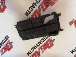 Дефлектор радиатора Toyota Platz SCP11 53289-52010
