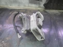 Подушка (опора) двигателя, правая передняя