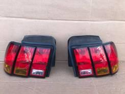 Фонарь задний левый правый Ford Mustang 4 99-04