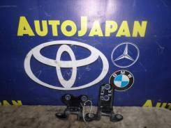 Петли двери задняя правая Toyota Caldina AZT246 {68750-20120/68770-52030} б/у 68770-52030