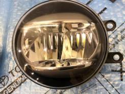 Правая противотуманка LED Toyota Lexus