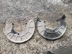 Щит пыльник диска для VW Passat B7 08-15 ЦЦ CC