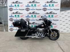 Harley-Davidson CVO Ultra Classic Electra Glide FLHTCUSE6, 2011