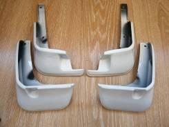 Брызговики Toyota Ractis 120 (2010-2014гг) Белые