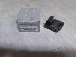 Натяжитель цепи малой Nissan [130708J12D]