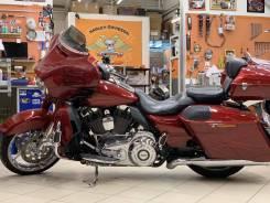 Harley-Davidson CVO Street Glide, 2015