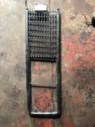 Решетка радиатора правая