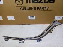 Молдинг решетки радиатора левый Mazda 3 (BM)