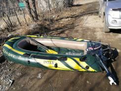Надувную лодку с мотором