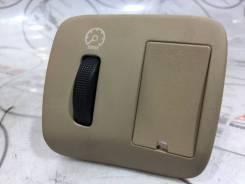 Кнопка подсветки приборной панели Toyota Windom