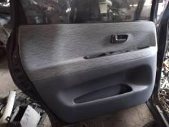Обшивка дверей Toyota Ipsum, левая задняя