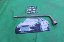 Ключ Автомобильный балонник на 21 Toyota Chaser jzx100 gx100
