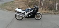 Yamaha FZR 400, 1995