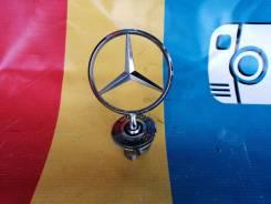 Эмблема Mercedes-Benz E550