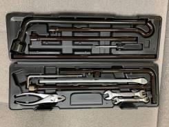 Набор инструментов ключей LC 200, LX570