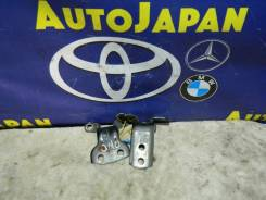 Петли двери передняя правая (низ и вверх)Toyota б/у 68710-12150