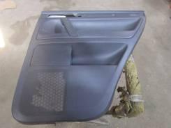 Обшивка двери задней правой VW Touareg 2002-2010