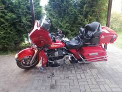 Harley-Davidson CVO Ultra Classic Electra Glide FLHTCUSE4, 2005