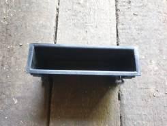 Панель под магнитофоном Toyota
