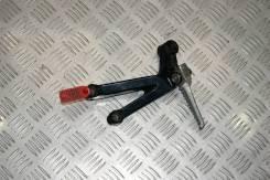 Подножка задняя правая Honda CBR900RR Fireblade SC28 1994